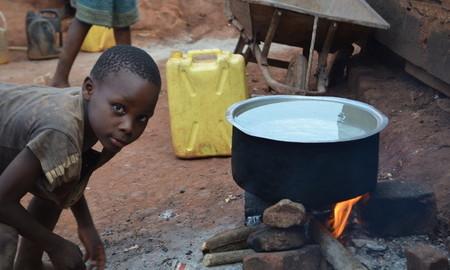 Energieeffiziente, rauchfreie Öfen in Togo